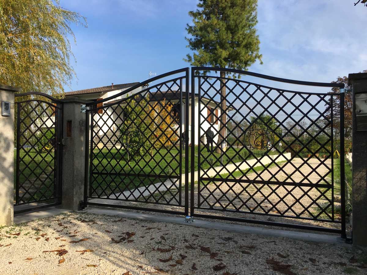 Cancello automatico in ferro