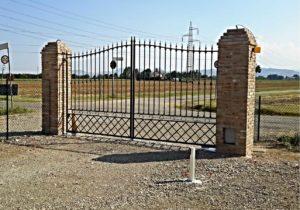 Cancello in ferro battuto automatico