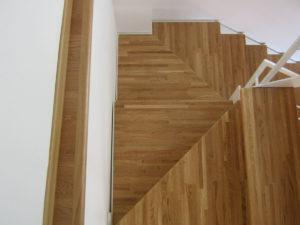 Scale con struttura in ferro e intarsi in legno